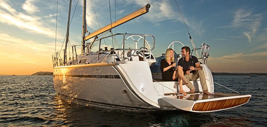 buy and charter Bavaria 37 Enkhuizen